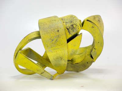 De expositie 'Turn on, tune in and drop out' van kunstenaar Eelke van Willegen is nu te zien in de Kruitmagazijnen.